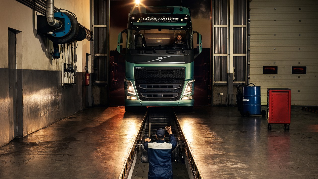 Volvo trucks dealer euro 6 workshop services overview mechanic and truck